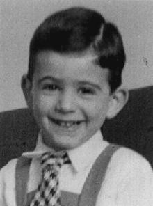 Lui è Tomas Kulka, nato il 25 maggio 1934 in Cecoslovacchia, morto all'età di sette anni nella camera a gas del campo di sterminio di Sobibor.